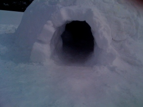 Igloo entrance 2014